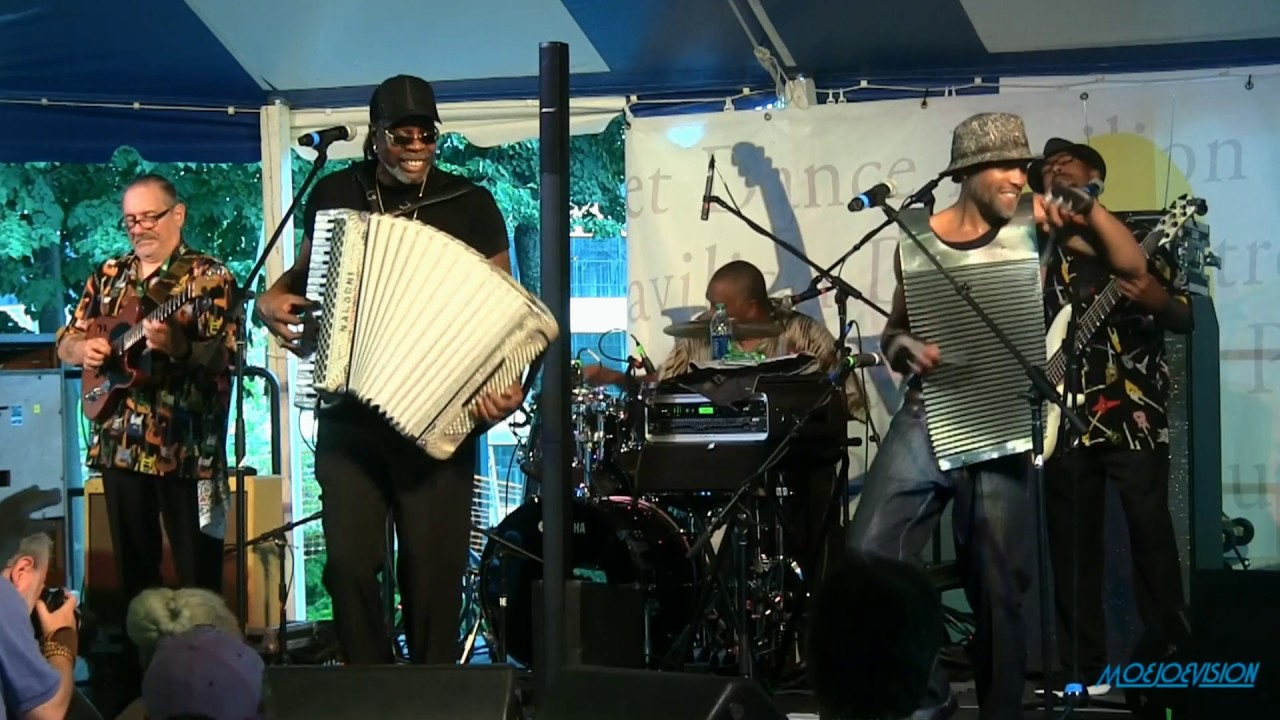 FOLK MUSIC FLOURISHES AT THE 2017 LOWELL FOLK FESTIVAL AND